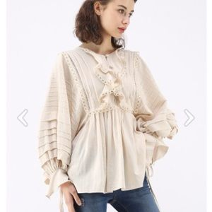 NWT chicwish puffed tiered sleeves top lace